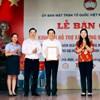 Lễ bàn giao kinh phí xây dựng nhà Đại đoàn kết cho Ủy ban MTTQ thành phố Hà Nội