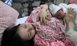 Chào đón công dân đầu tiên năm Kỷ Hợi tại Bệnh viện Phụ sản Hà Nội