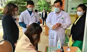 17 nhân viên y tế Bệnh viện Phụ sản Hà Nội tiếp xúc gần với BN243 âm tính lần 2 với SARS-CoV-2