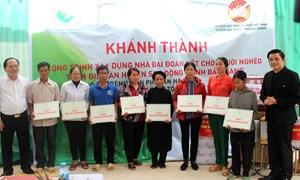 Bàn giao nhà đại đoàn kết cho hộ nghèo huyện Sơn Động