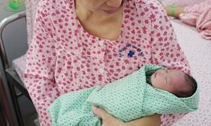 Mẹ bầu và em bé thoát chết thần kỳ nhờ tình cờ đi khám miễn phí
