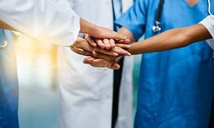 Khám sức khỏe và cấp thuốc miễn phí cho 150 phụ nữ khuyết tật