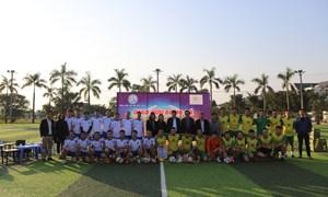 Giao hữu bóng đá giữa bệnh viện Phụ Sản Hà Nội và Bệnh viện Sản Nhi Vĩnh Phúc