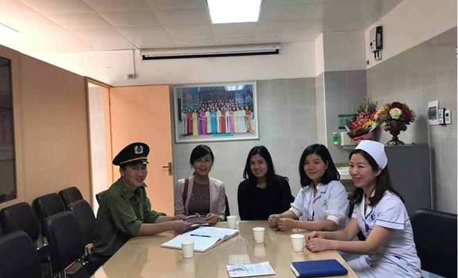 Nhặt được ví tiền hàng chục triệu trong BV Phụ sản Hà Nội, nhân viên y tế tìm người trả lại