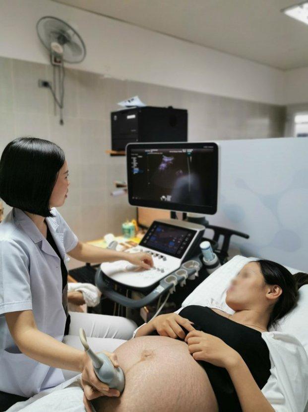 Sinh con tuổi dưới 35 sẽ tránh được nhiều nguy cơ bệnh tật cho trẻ.