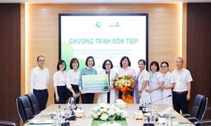 Tiếp nhận 220 khay test nhanh phục vụ công tác phòng chống dịch Covid-19 từ ngân hàng thương mại cổ phần Ngoại thương Việt Nam (Vietcombank)