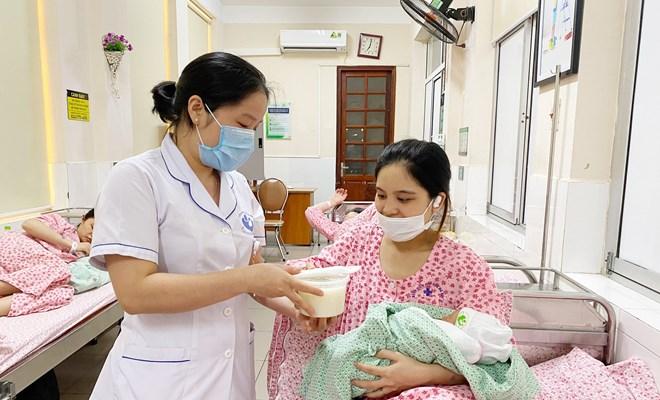 Hỗ trợ bệnh nhân nội trú, tăng cường phòng dịch tại bệnh viện