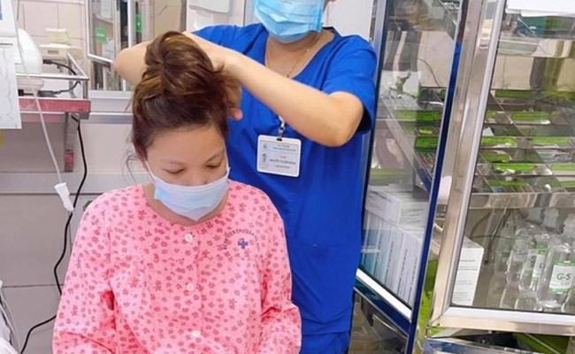 Những thứ mẹ bầu cần mang khi đi sinh con tại Bệnh viện Phụ sản Hà Nội mùa dịch